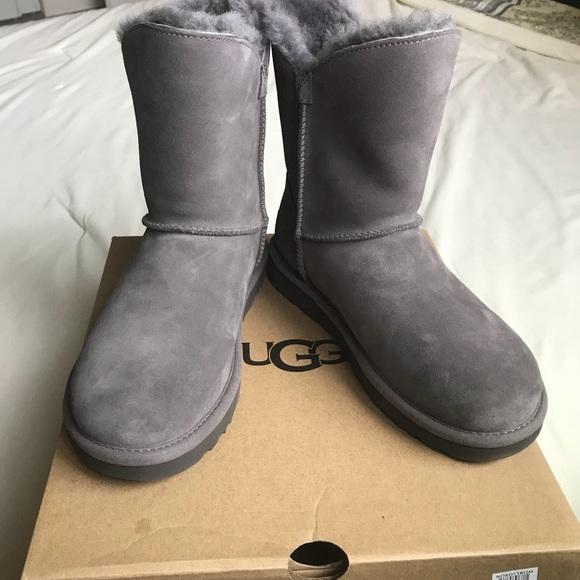 ed07f4c030f NWT UGG Constantine Gray Boots US 7 NWT